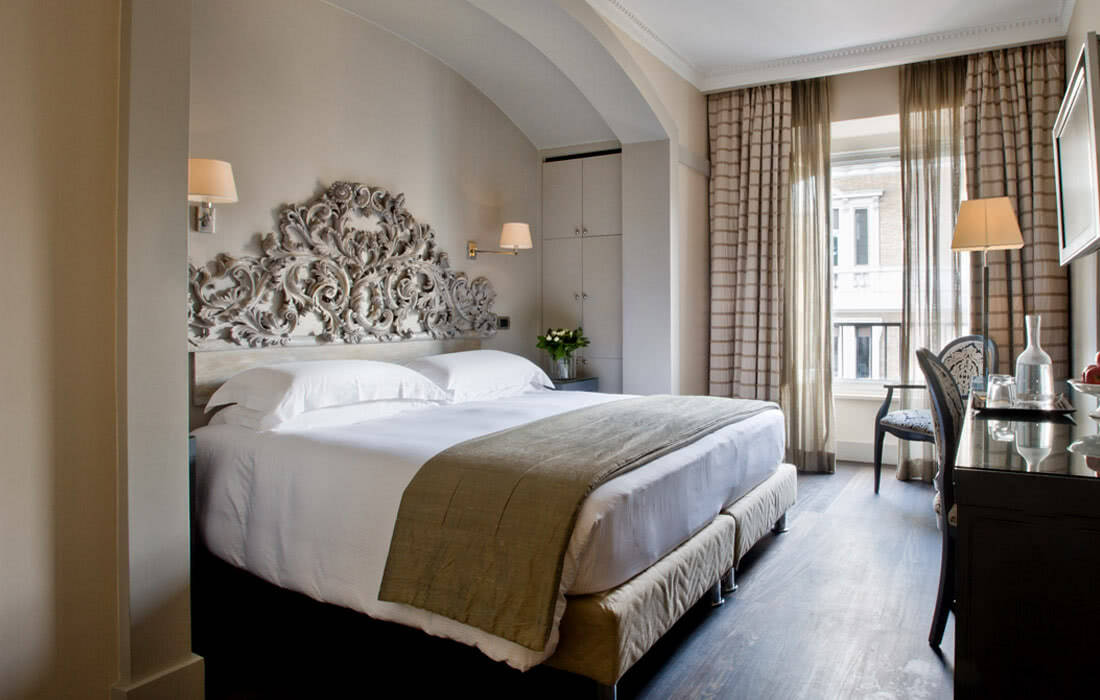 Photogallery casa montani luxury b b rome italy for Chambre de luxe